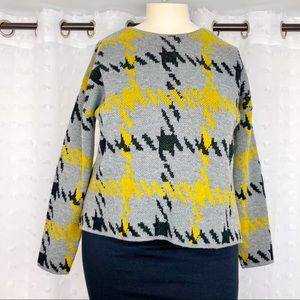 Jamison gray black & yellow houndstooth sweater L